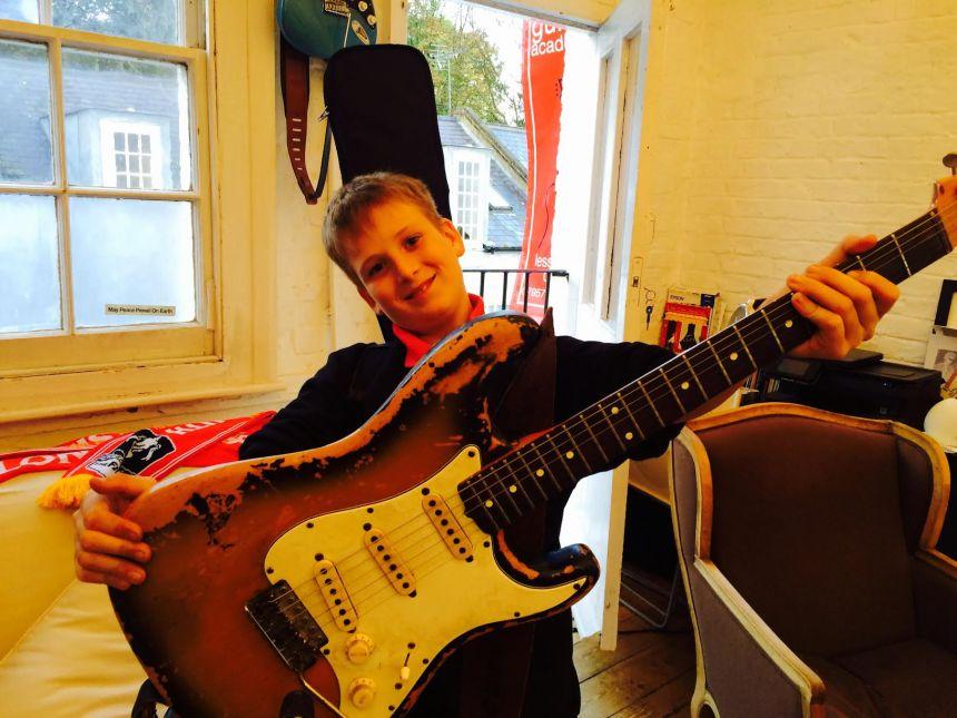 London Guitar Academy - Guitar Lessons London