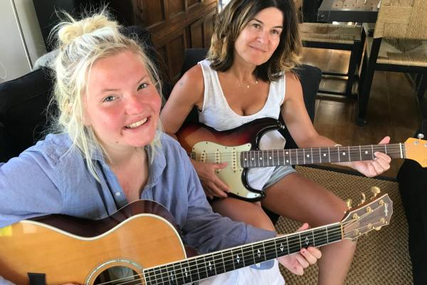 Notting Hill guitar tutors and Notting Hill guitar tuition