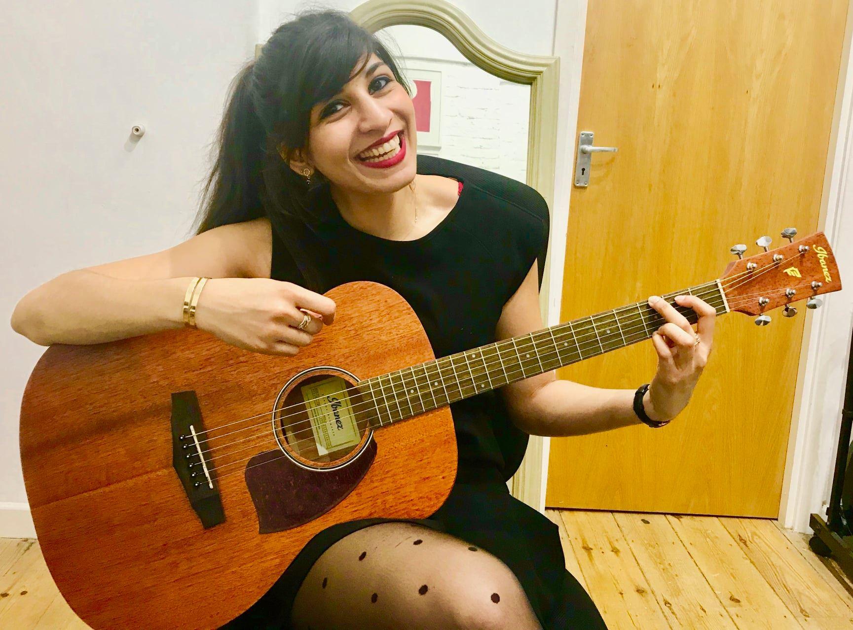 ealing guitar