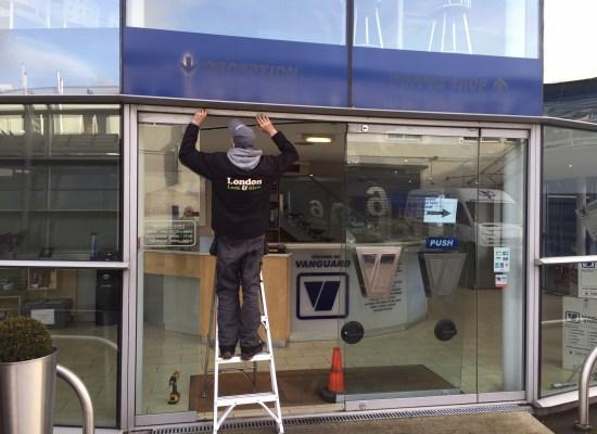 glass door repairs tooting sw17
