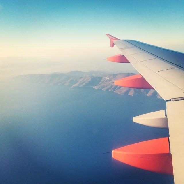 Mykonos_plane_view_cyclades