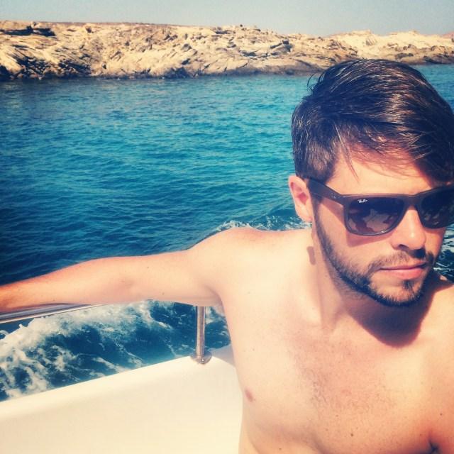 mykonos_greece_boat