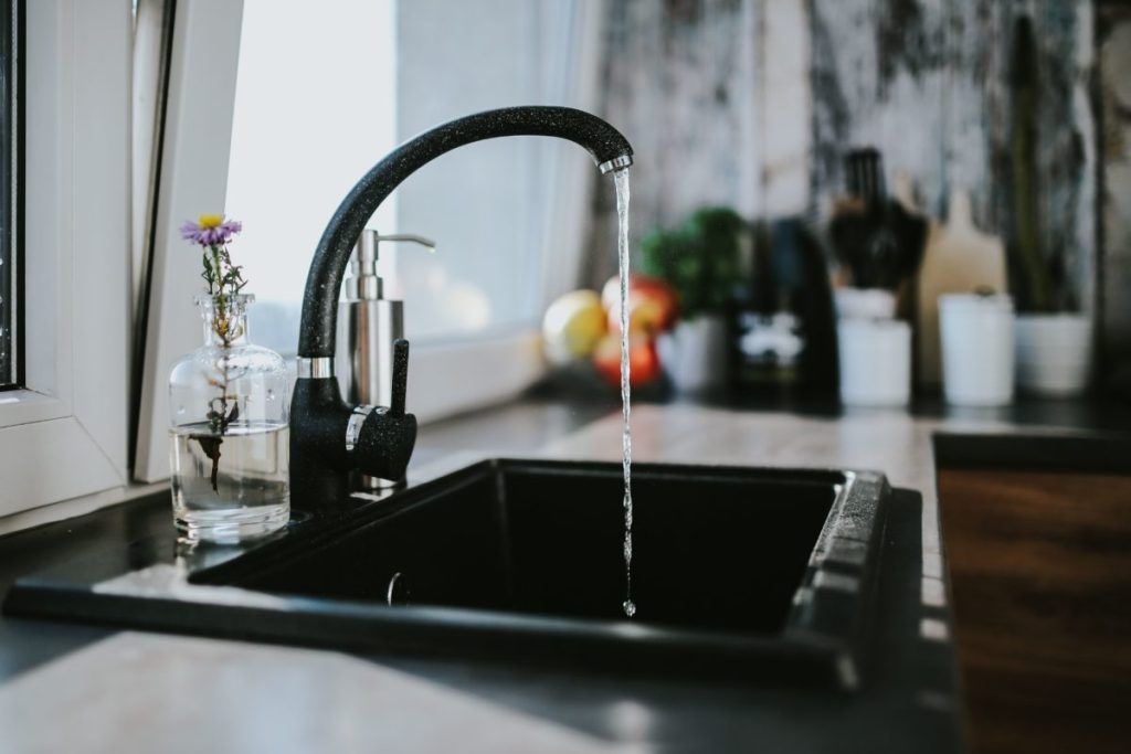 How to deal with London's Hard Water - London New Girl
