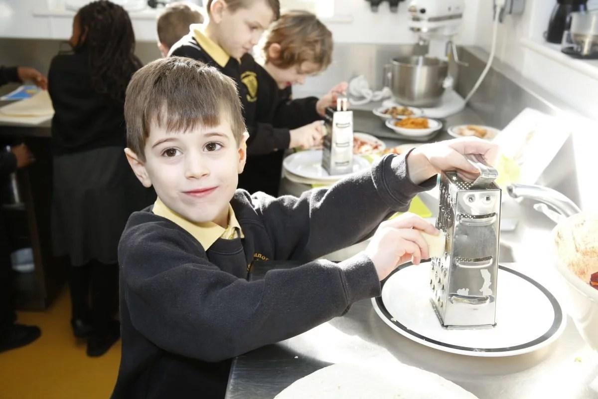 Charlton Manor Primary Kids Make International Sarnies