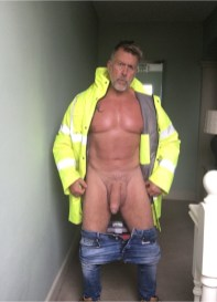 my-manhood-massaged-builder-gets-cock-out-for-a-massage-london-54-year-old-builder-nude