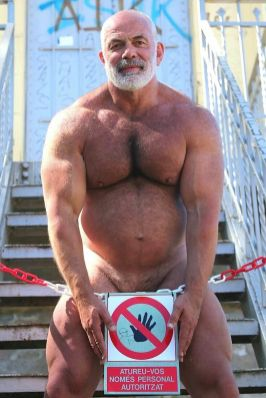 workman-mature-naked