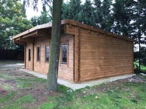 Bespoke Pent Log Cabin