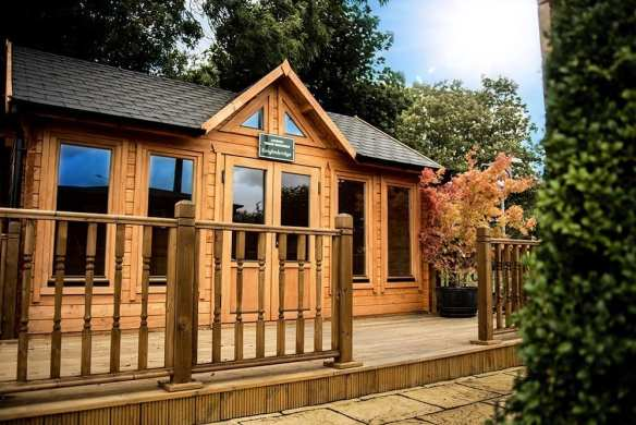 Knightsbridge log cabin KNI011 hp