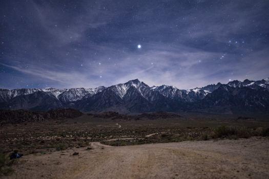 Sirius above Lone Pine Peak. Pentax K-1 Mark II, Pentax 15-30mm @ 30mm/2.8, 10s, ISO 1600