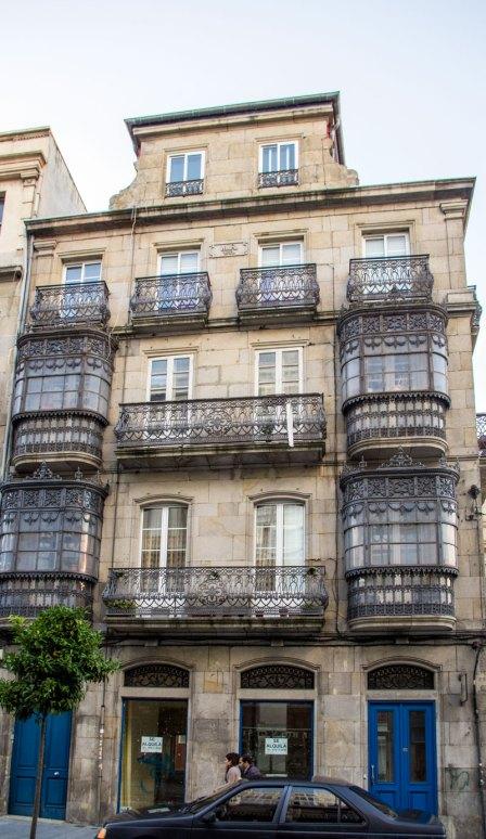 Uno dei palazzi ottocenteschi situati nel centro di Vigo