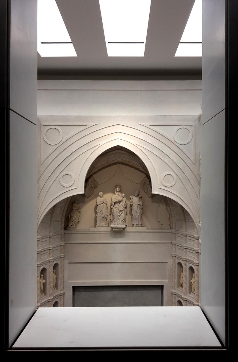 Parte della facciata vecchia vista da una delle gallerie
