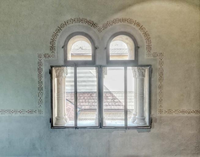 Rocchetta_Mattei_finestre_01