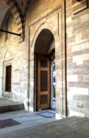 Dettaglio del cortile della Moschea di Suleyman, Istanbul (Foto: Caterina Chimenti / Lonely Traveller, licenza CC 2.0)