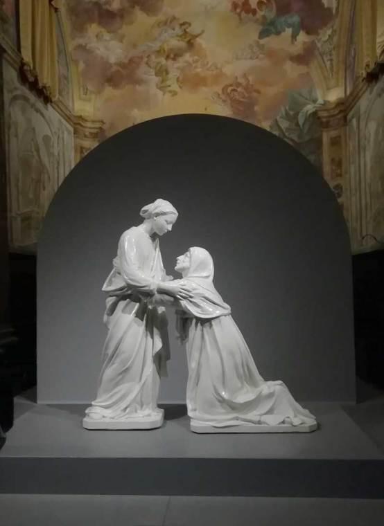 Luca Della Robbia, Visitazione (qui esposta nella Chiesa di San Leone fino al 7/1/2018) [Foto: Caterina Chimenti / Lonely Traveller]