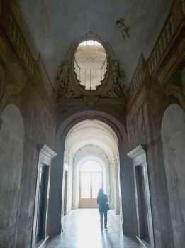 Certosa_Calci_corridoio_luce