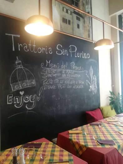 Osteria SanPierino lavagna e tavolo gruppi