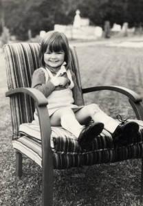 Alona, age 3, with a broken arm