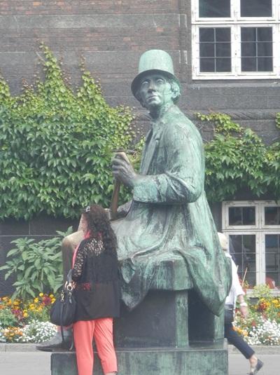 the Hans Christian Anderson statute at Copenhagen