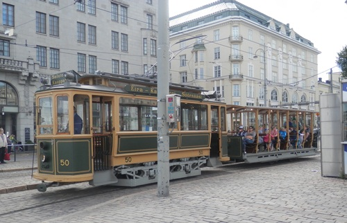 this tram reminds me of the old Adelaide one