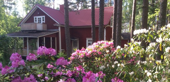 Finland Day 4 and 5: Summerhouse, Games and Long Nights