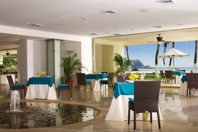 Dreams Huatulco Resort & Spa - Restaurants & Bars - The World Cafe offers guests a variety of international delicacies served buffet-style