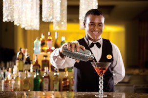 Dreams La Romana Resort & Spa - Restaurants & Bars - Delicious craft cocktails are served up at Desires Music Lounge