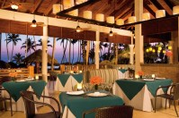 Dreams Palm Beach Punta Cana - Restaurants & Bars - Located beachside, the Seaside Grill offers a variety of grilled specialties