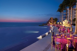 Dreams Riviera Cancun Resort & Spa - Weddings - Poolside Gala Dinner