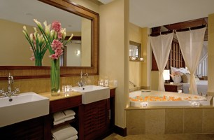 Dreams Riviera Cancun Resort & Spa - Accommodations - Honeymoon Suite Bathroom