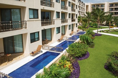 Dreams Riviera Cancun Resort & Spa - Grounds - Preferred Club Swimout Suites