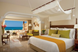 Now Sapphire Riviera Cancun - Accommodations - Oceanfront Suite
