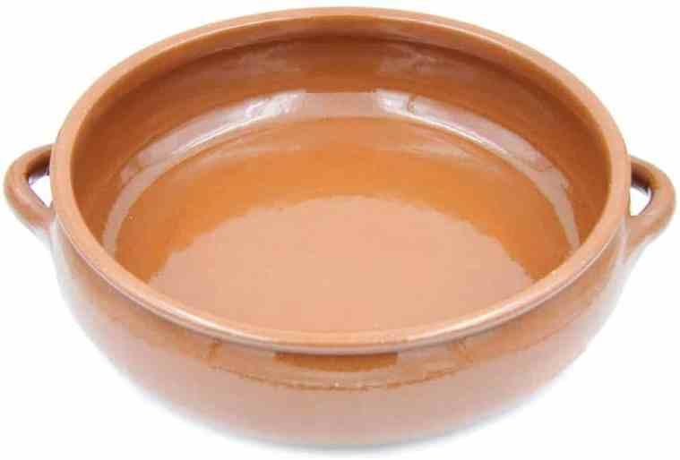 Traditional Portuguese clay cooking pot: best life extension kitchen gadget