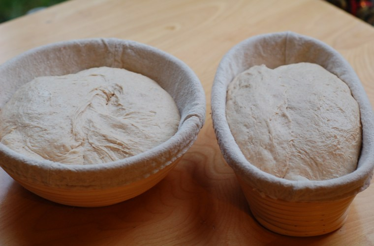 Sourdough bread baking gear: equipment list