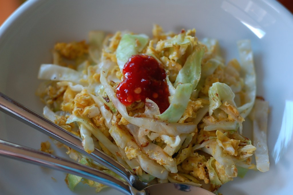 Cabbage and eggs with sambal oelek