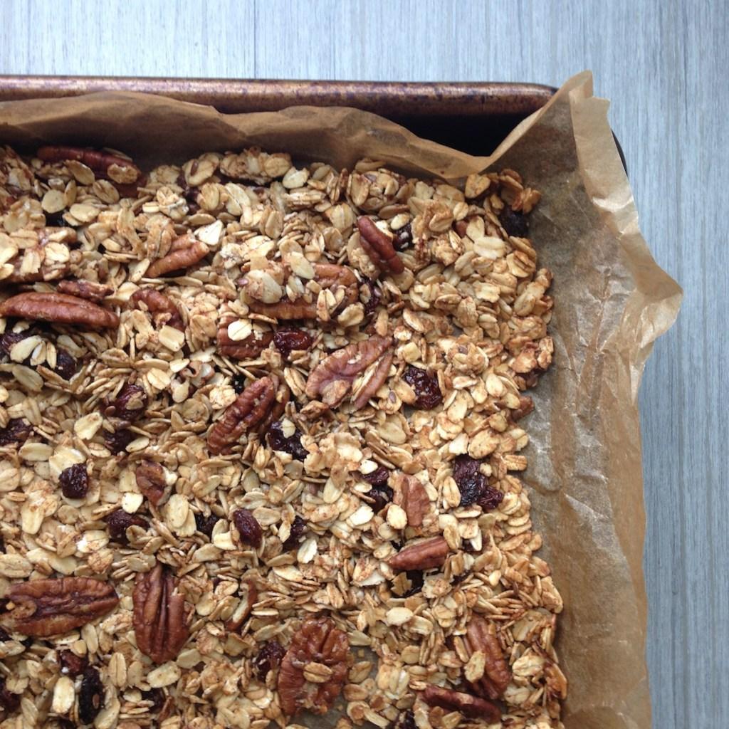 Raisin pecan granola bake