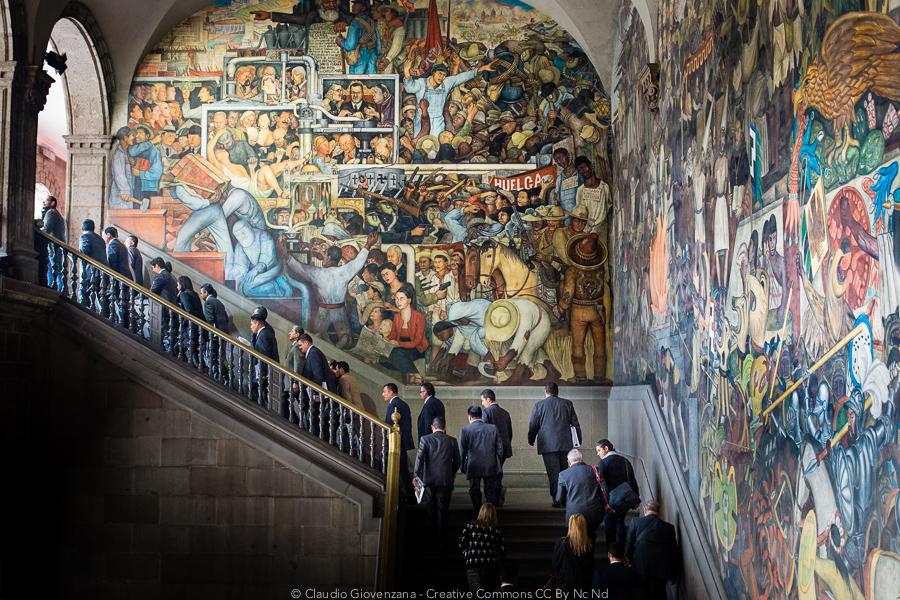 Il murales di Diego Rivera e i politici del Messico