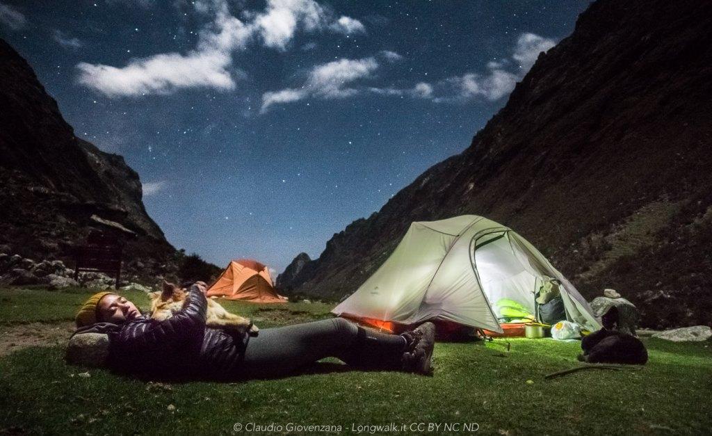 Accampati sotto le stelle nel trekking di Santa Cruz