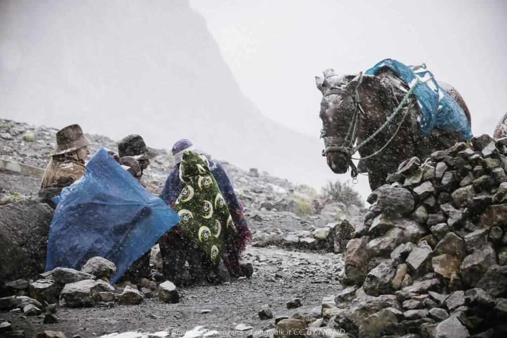 Tempesta di neve e arrieros al Nevado Pastoruri