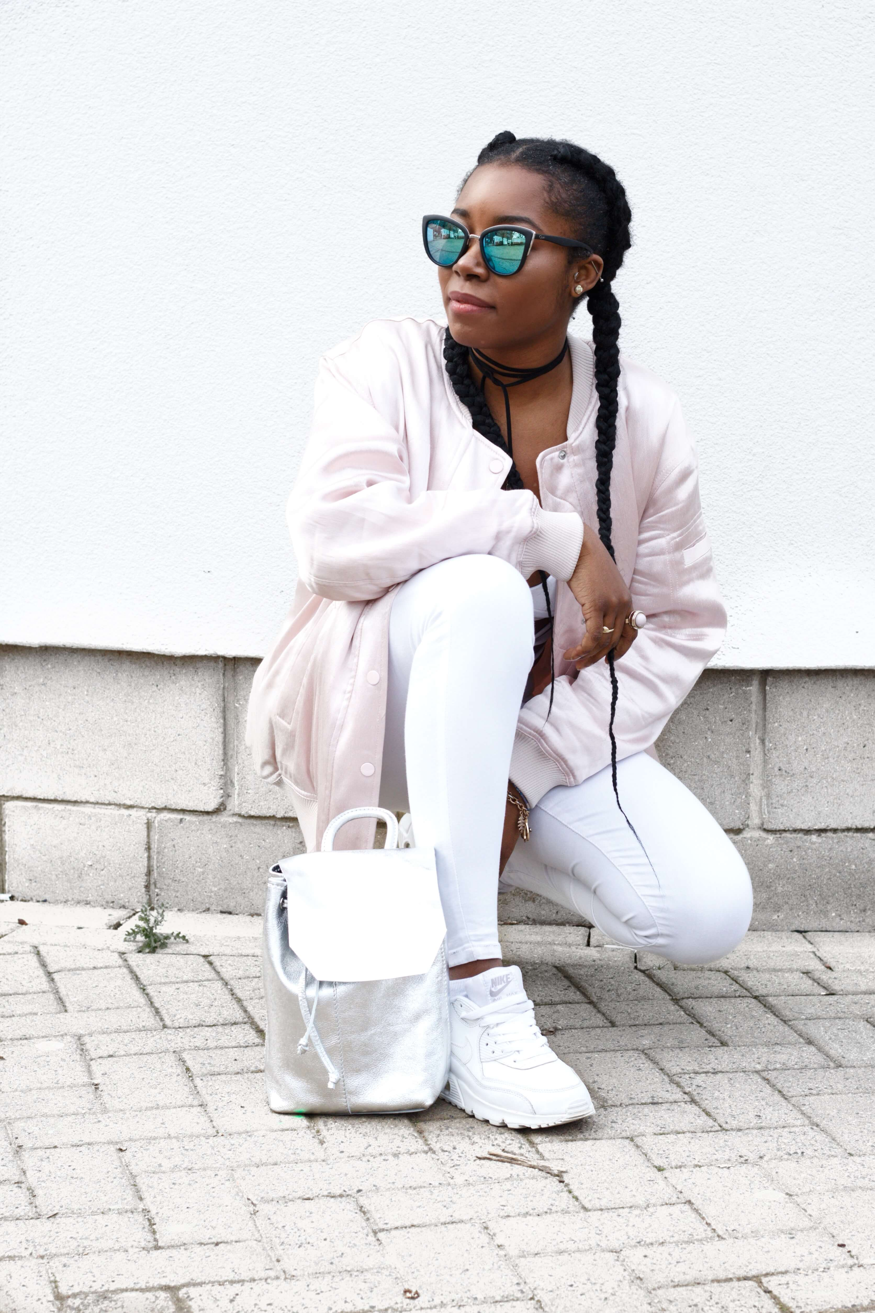 Sneaker Outfit; All white; Bomber Jacket; Nike Airmax 90 white leather