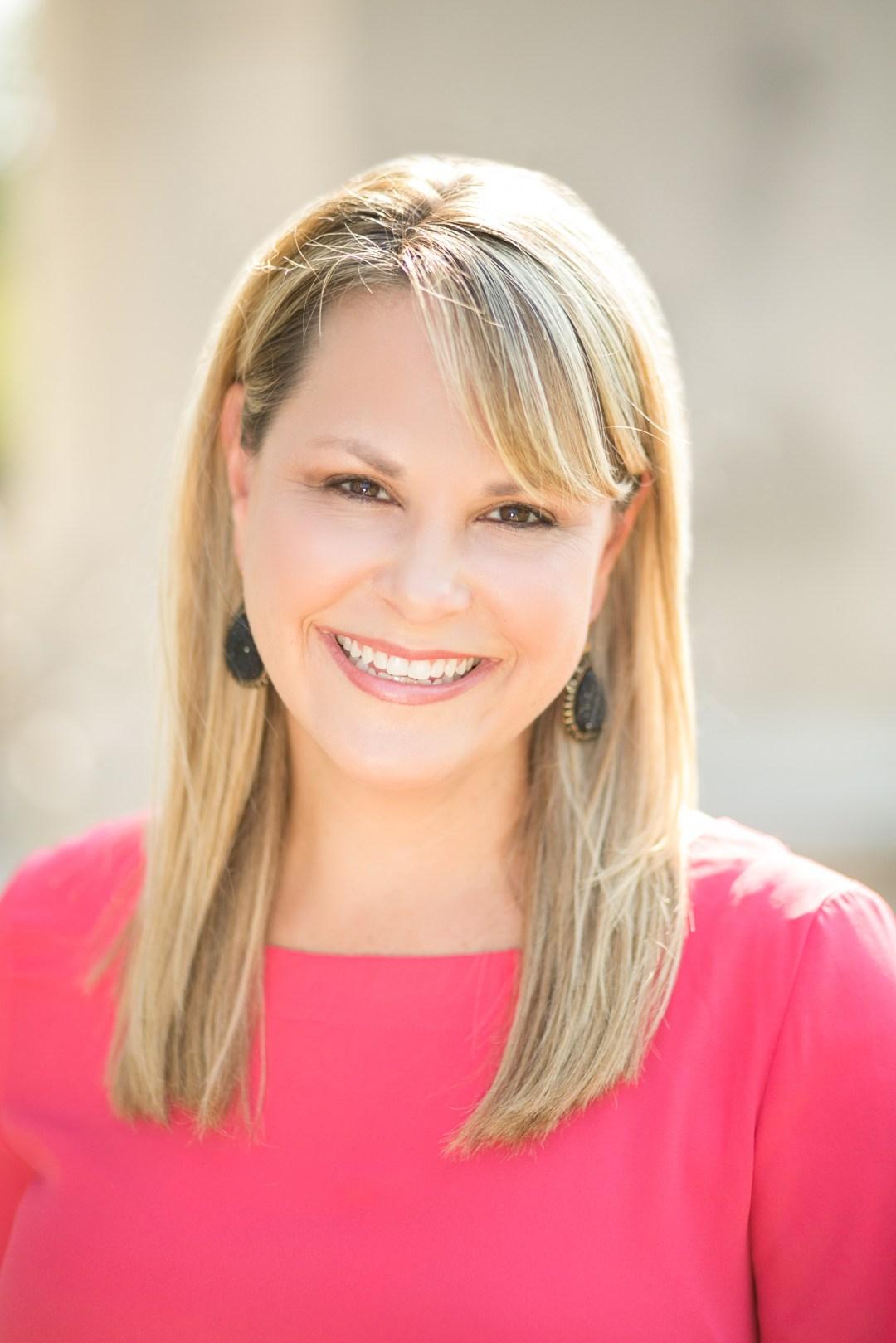 Kim-Becking-Looking-Forward-Living-Life-Coach-Divorce-Author-Speaker-Headshot-1