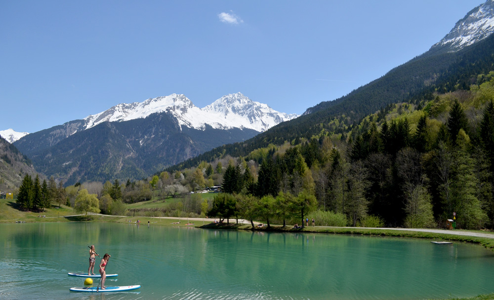 A winter season in the French Alps: March and April
