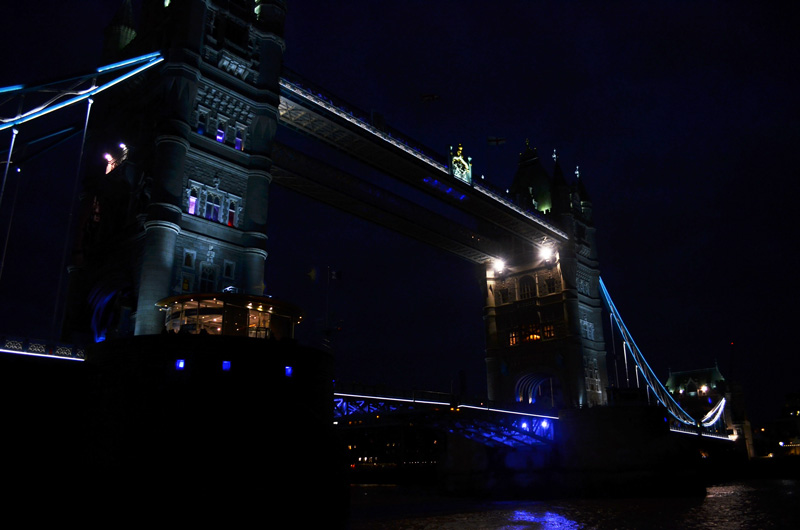 TowerBridgeAtNightLondon