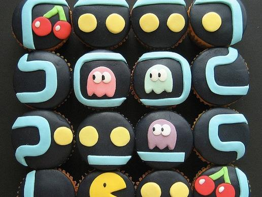 storymaker-slideshow-awesome-geeky-cakes3-515x388