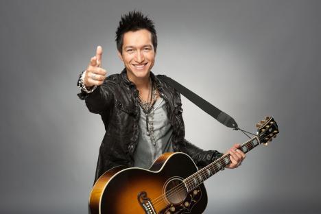 X Factor 2010: Anthony Thet mit solider Leistung in der ersten Liveshow - TV News