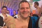 TV Total Turmspringen 2010: Elton mit dem Kopf zuerst - Ilka Semmler & Miram Höller gewinnen Synchronspringen