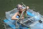 Dschungelcamp 2011: Sarah Knappik meistert Bootstour gut