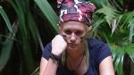Sarak Knappik schmollt im Dschungelcamp 2011