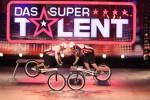 """Das Supertalent 2011: """"Flying Bike Boys"""" zeigen im Casting zu wenig! - TV News"""
