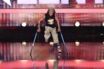 Das Supertalent 2011: Dergin Tokmak tanzt mit seinen Krücken - TV News