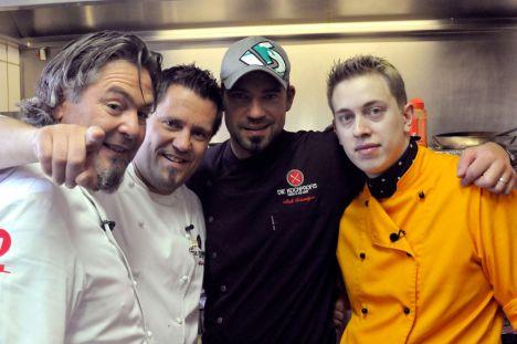 Die Kochprofis Frank Oehler (li.), Mike Süsser (2.v.li.), Andi Schweiger und der 24-jährige Chef Daniel